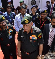 Marc Kahlberg CEO of MKISC at DEFCOM INDIA 2017 with the Chief of the Indian Army General Bipin Rawat